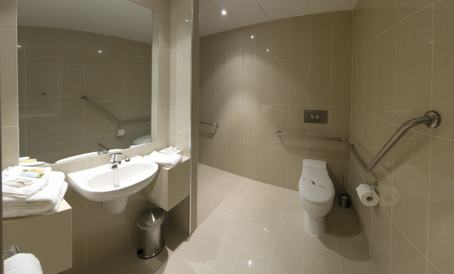 Superior disabled atlantis hotel for Best bathrooms in australia